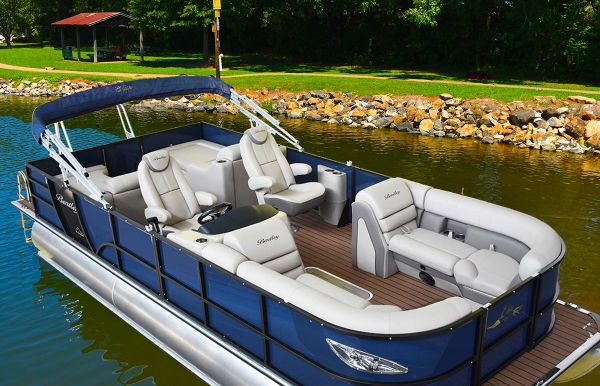 2020 Bentley Pontoons 220 Elite Rear Lounger
