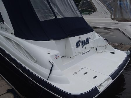 Cruisers Yachts 330 Express image
