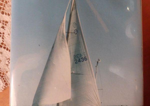 Hinckley 48 Yawl image