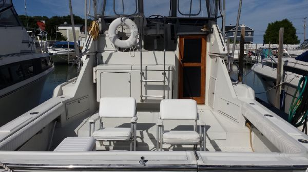 Tiara 33 Flybridge Sedan Sport Fisherman