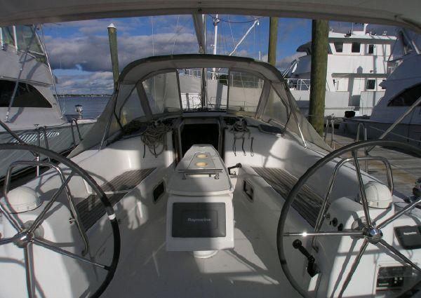 Beneteau Oceanis 40 Tri-Cabin image