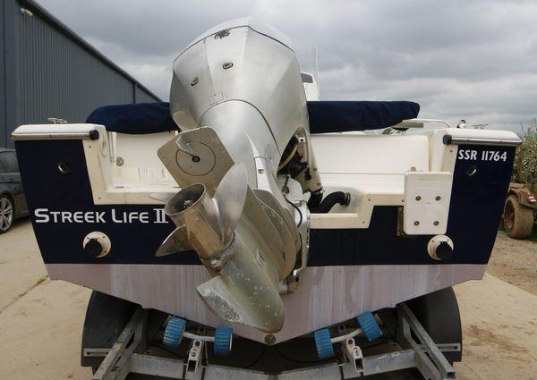 White Shark 225 image