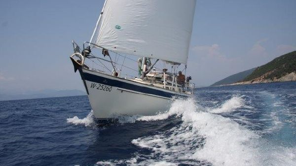 Hallberg-Rassy Boats For Sale - Williams and Smithells