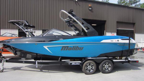 Malibu 23 LSV WAKESETTER