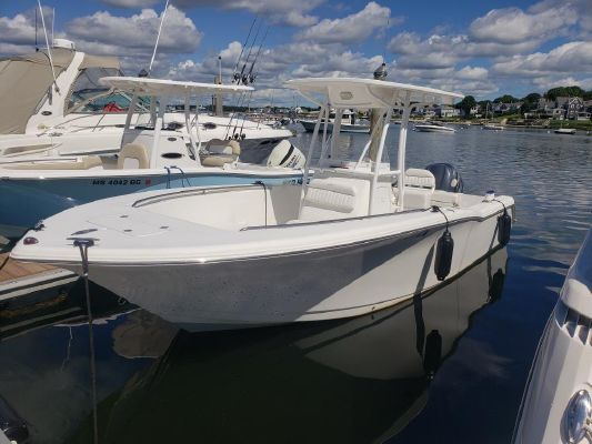 Tidewater 23 Center Console - main image