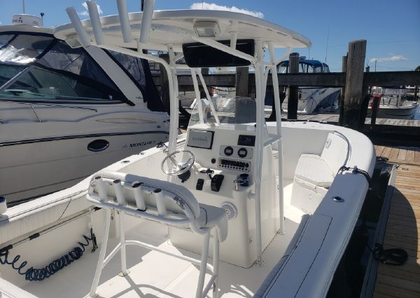 Tidewater 23 Center Console image