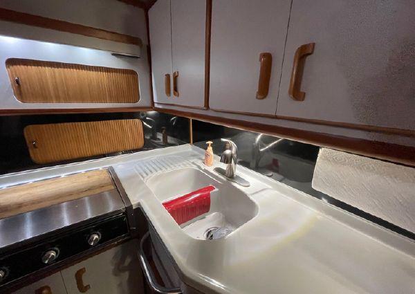 Sea Ray 380 Aft Cabin image