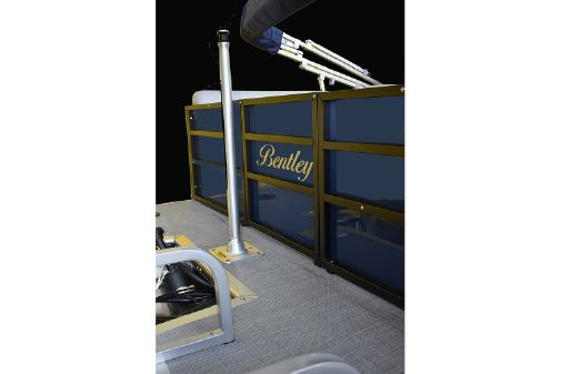Bentley Pontoons 220 Rear Lounger image