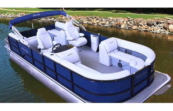 2020 Bentley Pontoons 220 Rear Lounger