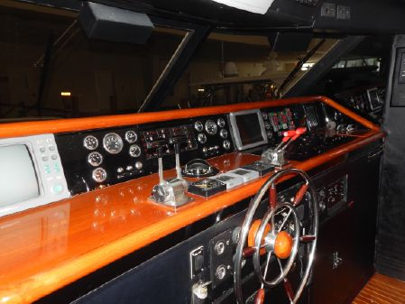 Pacemaker Cockpit Motoryacht image