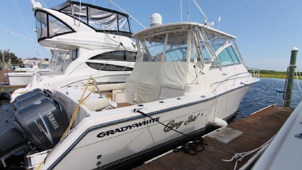 Grady-White Express 360