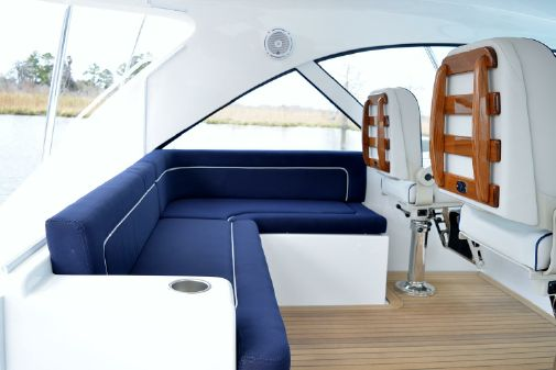 Hatteras GT45X Flybridge image