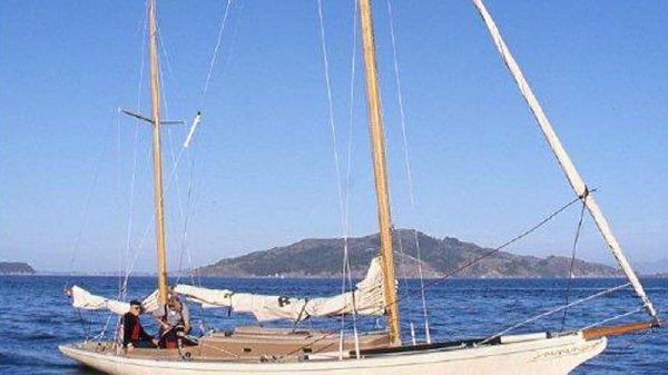 Legendary Yachts Araminta 33 Ketch