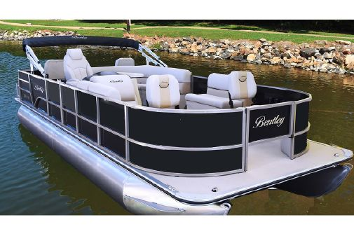 Bentley Pontoons 240 4-Point Fish image