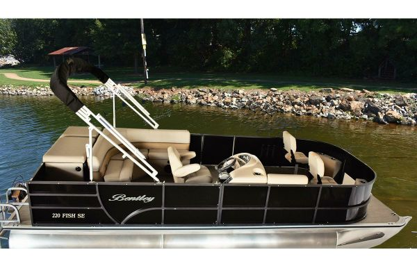 2021 Bentley Pontoons 240 Fish
