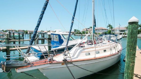 Island Packet Yachts IP 45