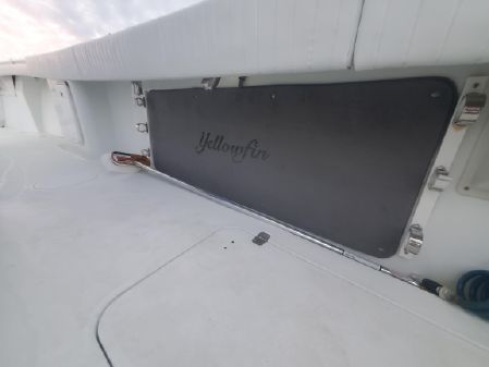 Yellowfin 32 Offshore image