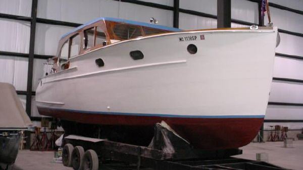Chris Craft Double Cabin Enclosed Cruiser