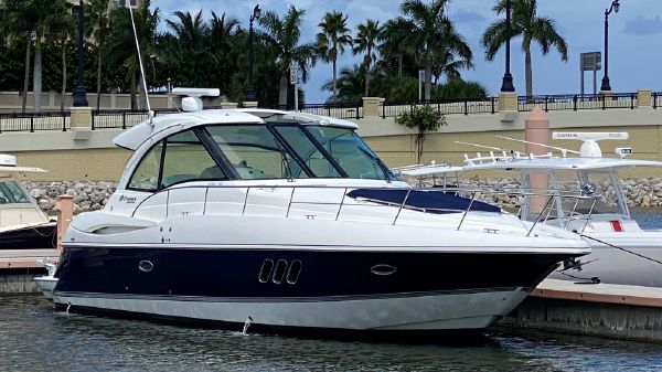 Cruisers Yachts 430 SC
