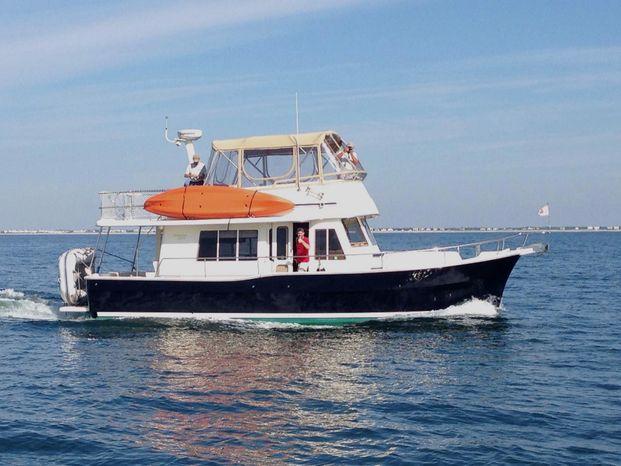 2008 Mainship 40 Expedition Trawler