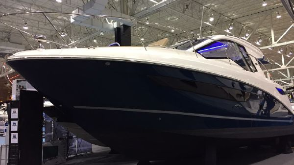 Sea Ray 350 Coupe