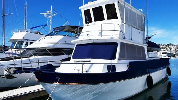 Californian 38 Californian w/ Enclosed Flybridge