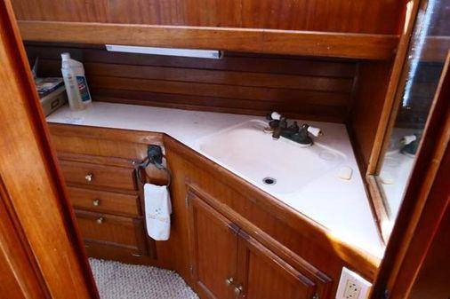 Californian 38 Californian w/ Enclosed Flybridge image