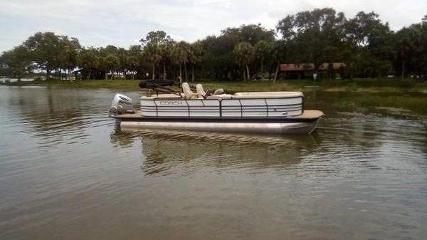 Used Coach Pontoons 250 Rf Tritoon Power Boats For Sale