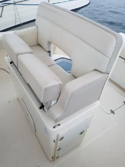 Pursuit C 260 Center Console image