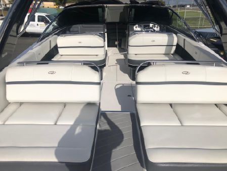 Regal 2800 Bowrider image