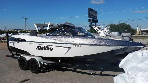 Malibu 23 LSV