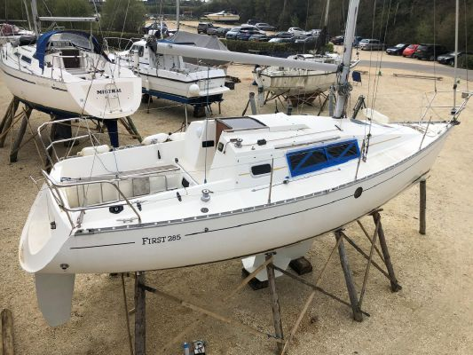 Beneteau First 285 - main image