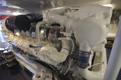 Viking 52 Seakeeper Mezzanine image
