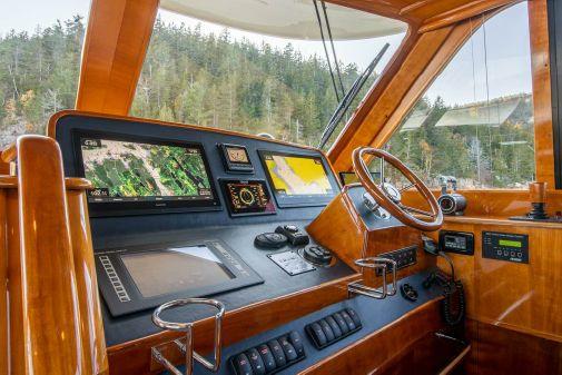 Hinckley Talaria 55 Flybridge image