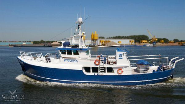 Beeldsnijder Trawler 2375 Explorer