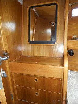 Beneteau Oceanis 390 image