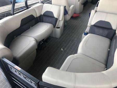 Coach Pontoons 250RF image