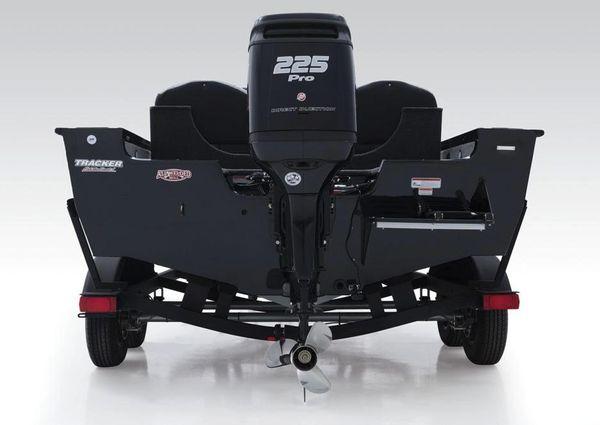 Tracker Targa V-19 Combo 40th Anniversary Edition image