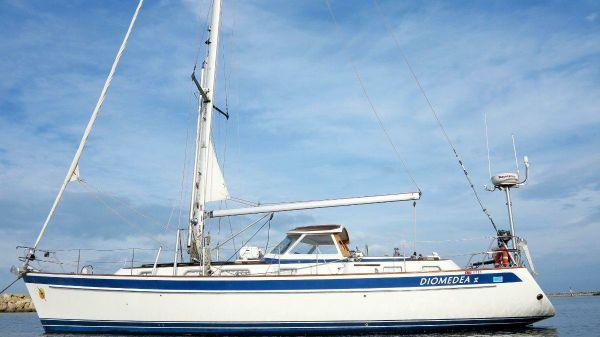 Hallberg-Rassy 43 Mk II 2 cabin owners model Diomedea