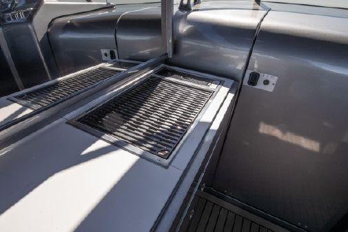 Canard Yachts eMotion 36 image
