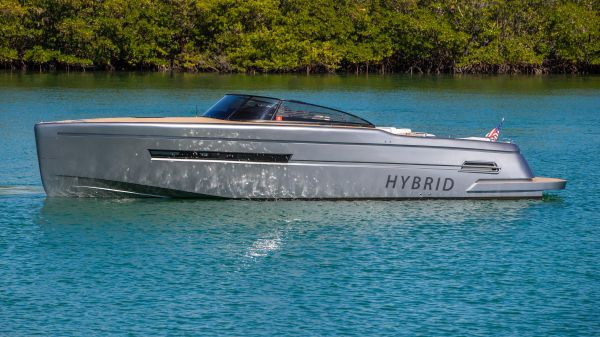 Canard Yachts eMotion 36