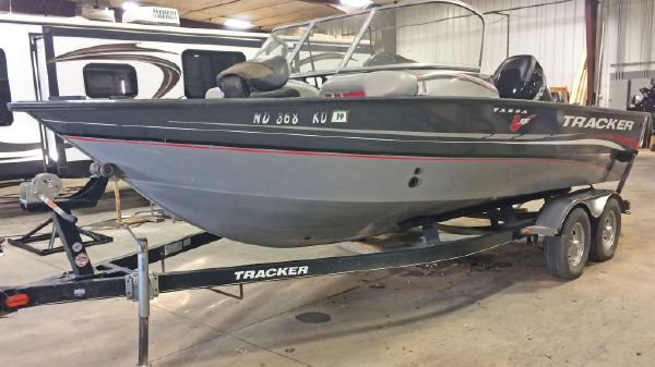 Tracker Targa 18WT