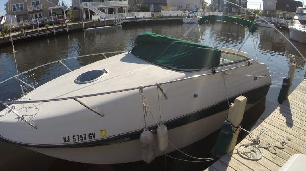 Crownline 268 express cruiser