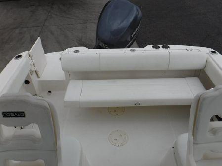 Robalo R225 image