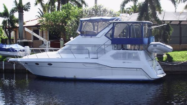 Cruisers Yachts 3850 AFT CABIN DIESELS