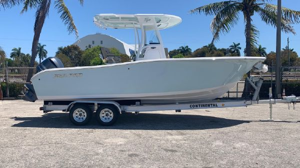 Sea Pro 239 DLX Center Console