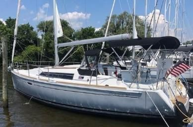 Used Beneteau Oceanis 37 Boats For Sale - G Winter's Sailing Center