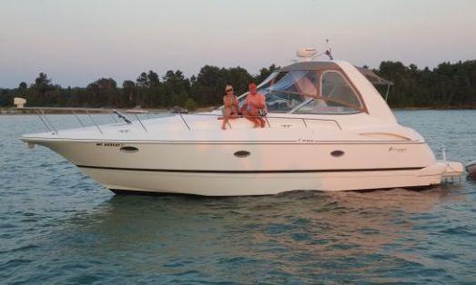 Cruisers Yachts 3672 Espirit