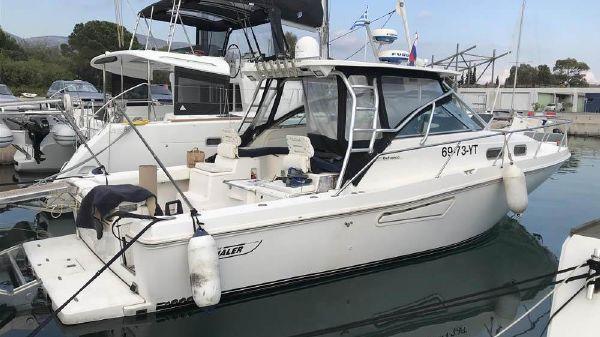 Boston Whaler Defiance 38