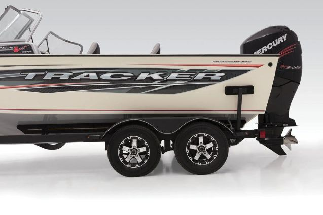 Tracker Targa V-19 WT 40th Anniversary Edition image